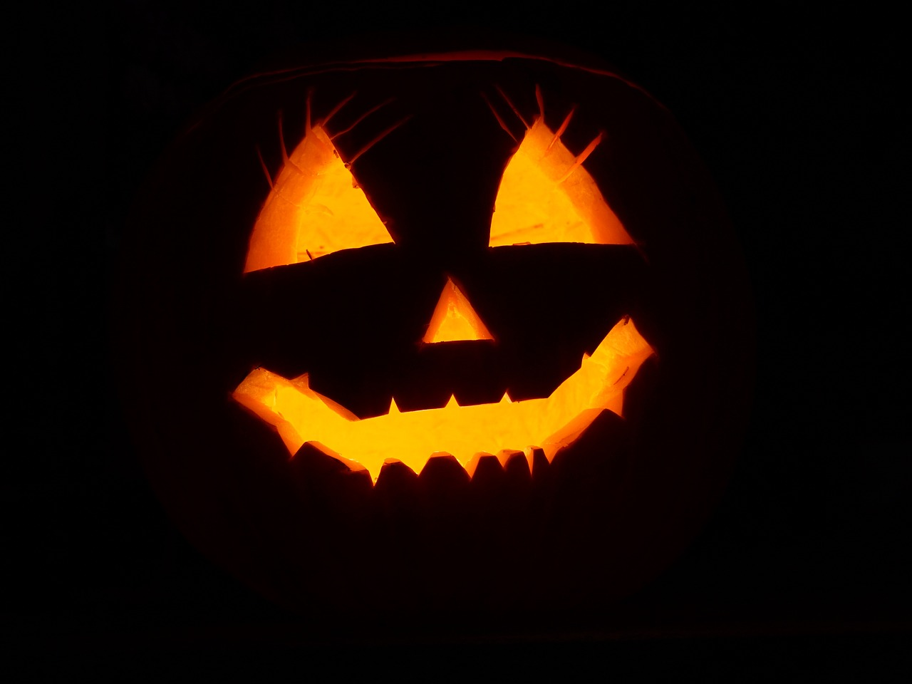Hoe Maak Je Halloween Pompoenen.Halloween Versiering Halloween Knutselwerkjes Mamablog